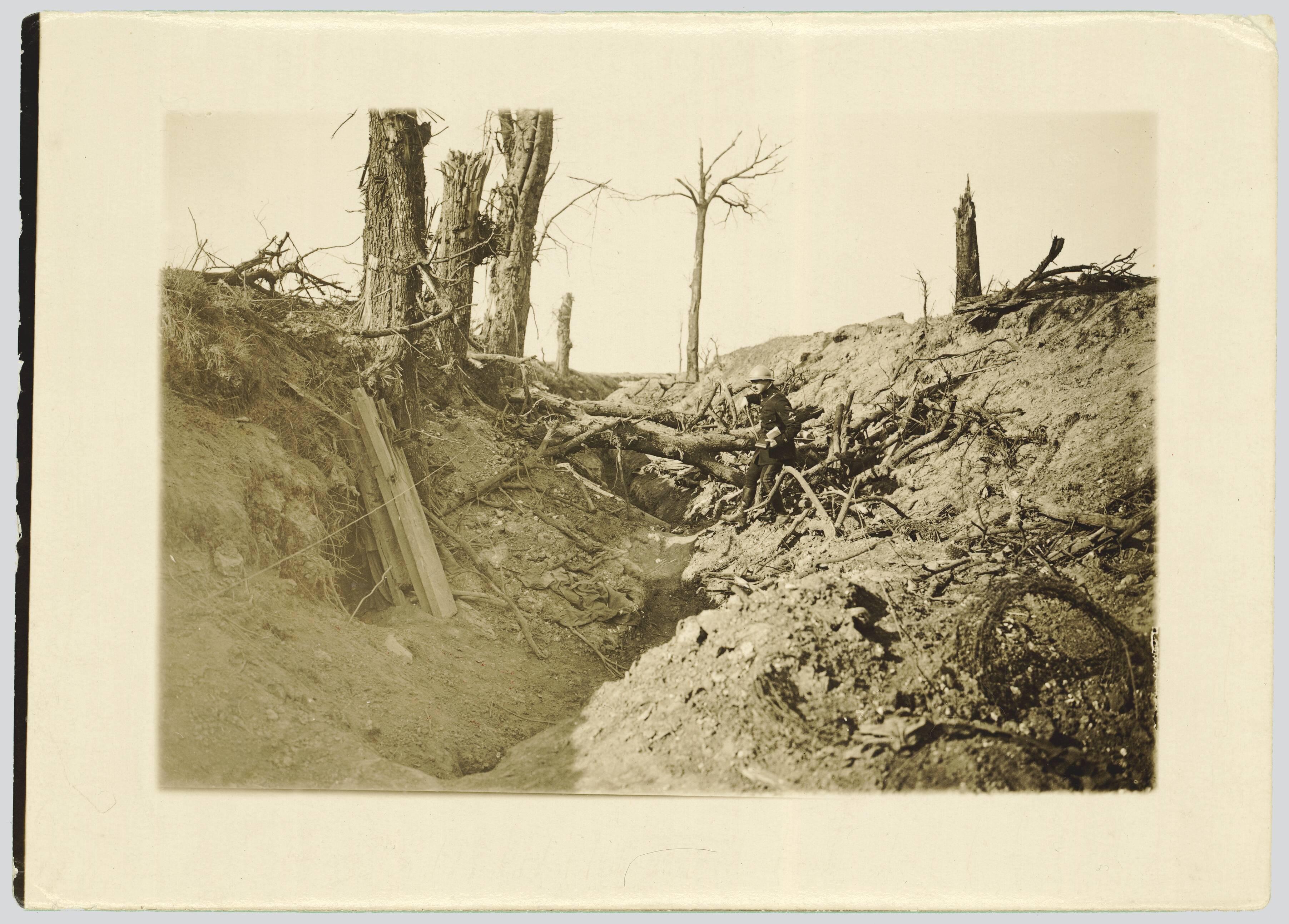 CHEMIN CREUX DE BERNY-EN-SANTERRE A BELLOY-EN-SANTERRE A 500 METRES AU NORD DE BERNY-EN-SANTERRE. SEPTEMBRE 1916