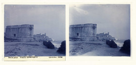 Antibes (Alpes-Maritime). Vieux remparts