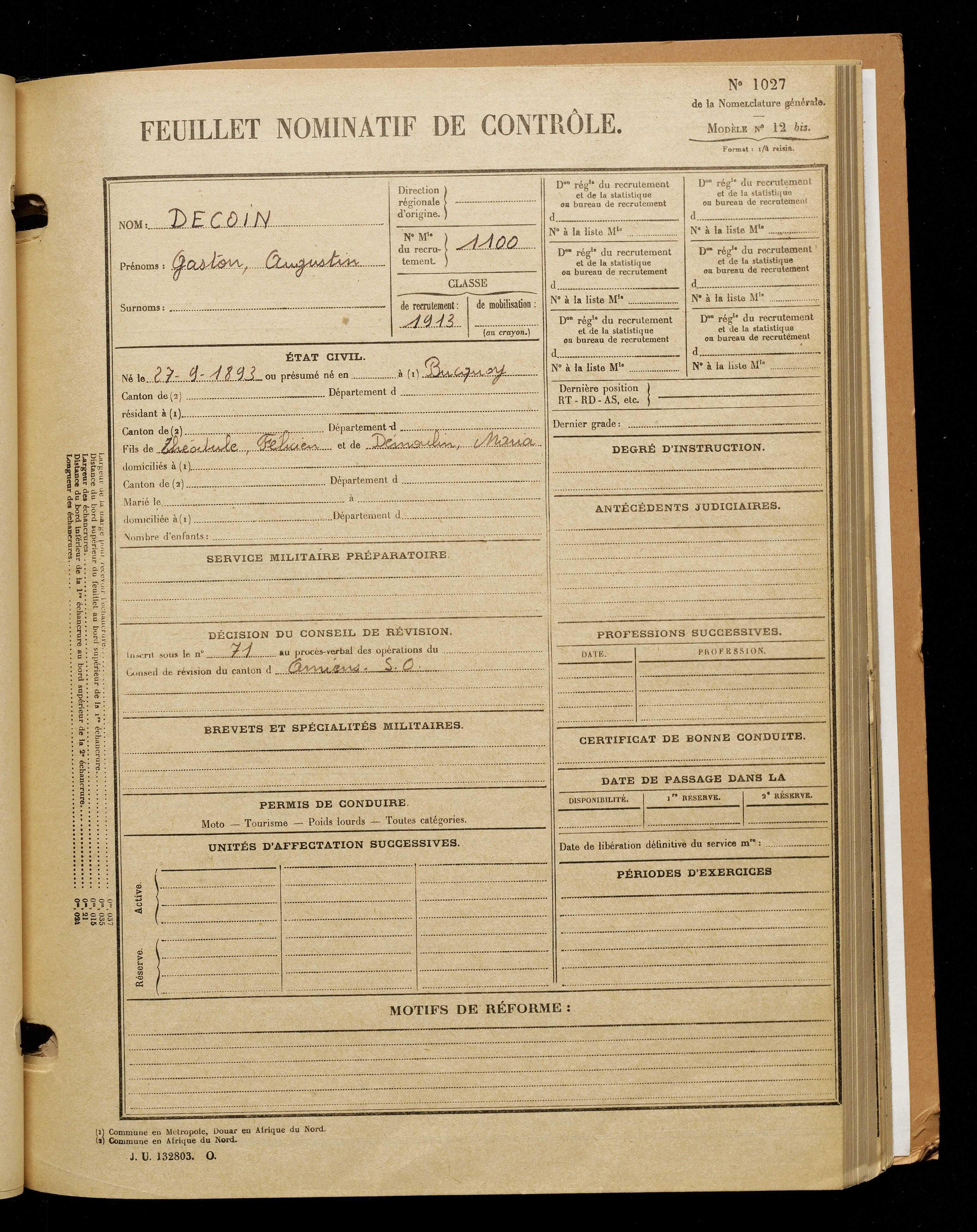 Decoin, Gaston Augustin, né le 27 septembre 1893 à Bucquoy (Pas-de-Calais), classe 1913, matricule n° 1100, Bureau de recrutement d'Amiens